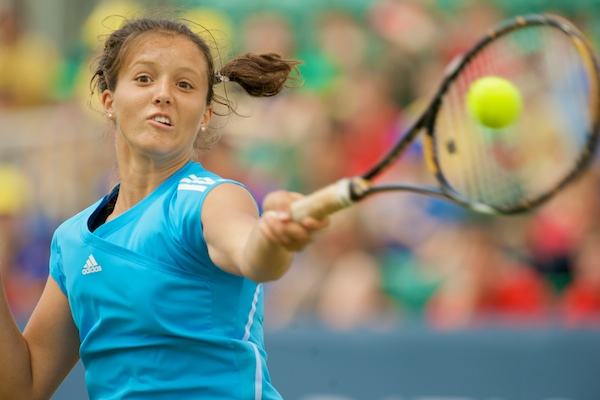 LIVERPOOL, ENGLAND - Tuesday, June 16, 2009: Laura Robson (GBR) plays an exhibition match in front of 3,000 school children during a kids day at the Tradition ICAP Liverpool International Tennis Tournament 2009 at Calderstones Park. (Pic by David Rawcliffe/Propaganda)